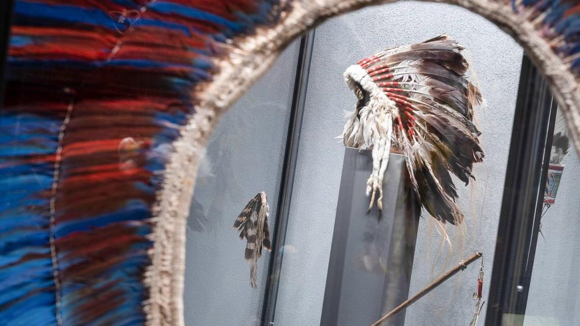 Headdress - Mit dem Seniorenbeirat ins Museum ©2019 Museum Wiesbaden