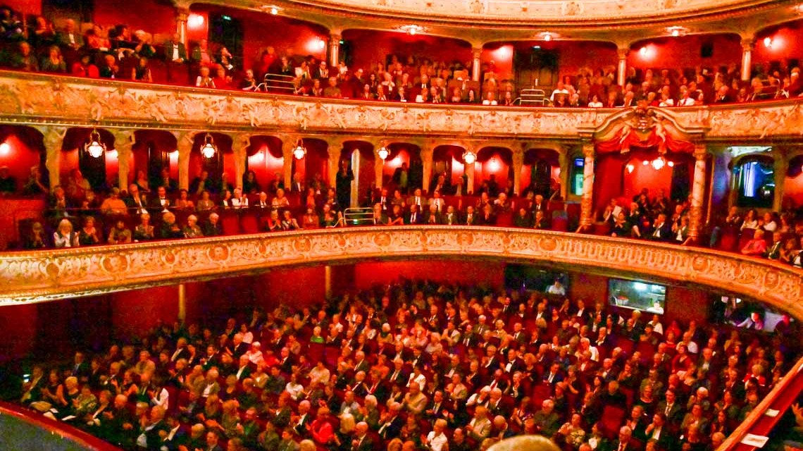 125 Jahre Staatstheater Wiesbaden, Festakt mit Ballettaufführung.