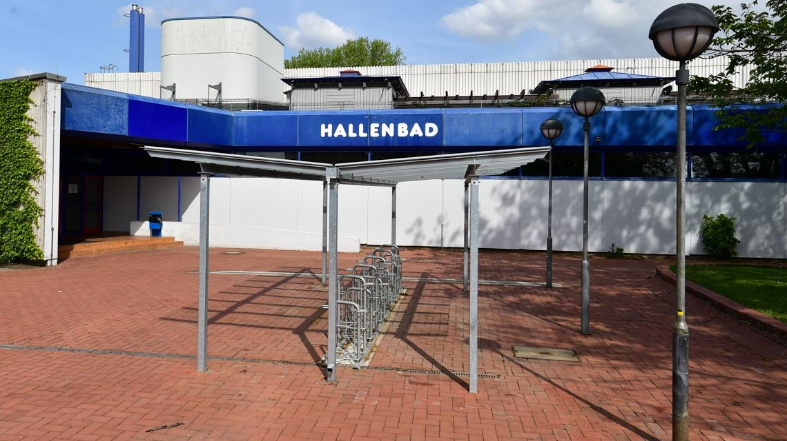 Symbolbild: Hallenbad ad Kostheim