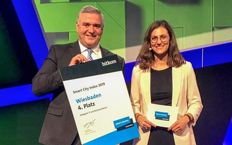 Digitales Wiesbaden ausgezeichnet, Jörg Höhler, Vorstandsmitglied der ESWE Versorgungs AG, bei der Preisverleihung in Berlin. ©2019 Bitkom