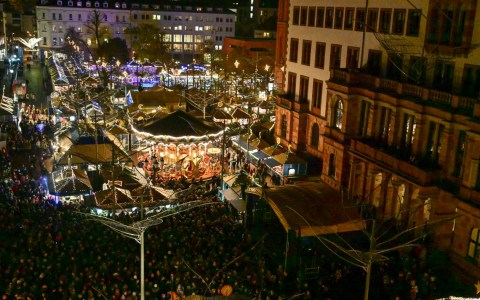 Eröffnung des Widesbadener Weihnachtsmarktes, des Sternschnuppenmarkts und Impressionen von den Ständen.