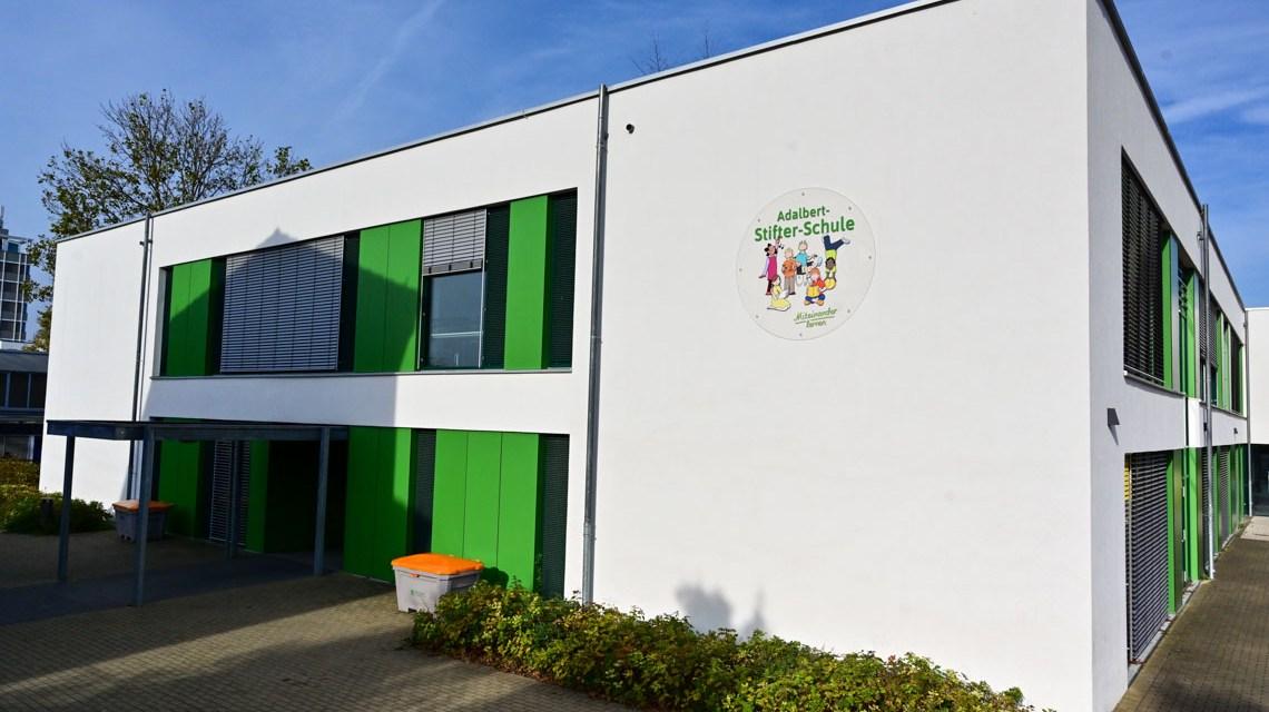 Schulen: Adalbert-Stiftre Schule in Wiesbaden