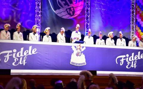Prunksitzung der Fidelen Elf im Kurhaus Wiesbaden, von 19:11 Uhr bis ultimo.
