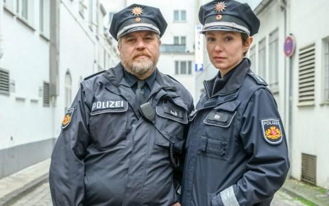 Julia Koschitz (als Maja Witt), Aljoscha Satadelmann (als Klaus Burck) ZDF/Michael Ihle
