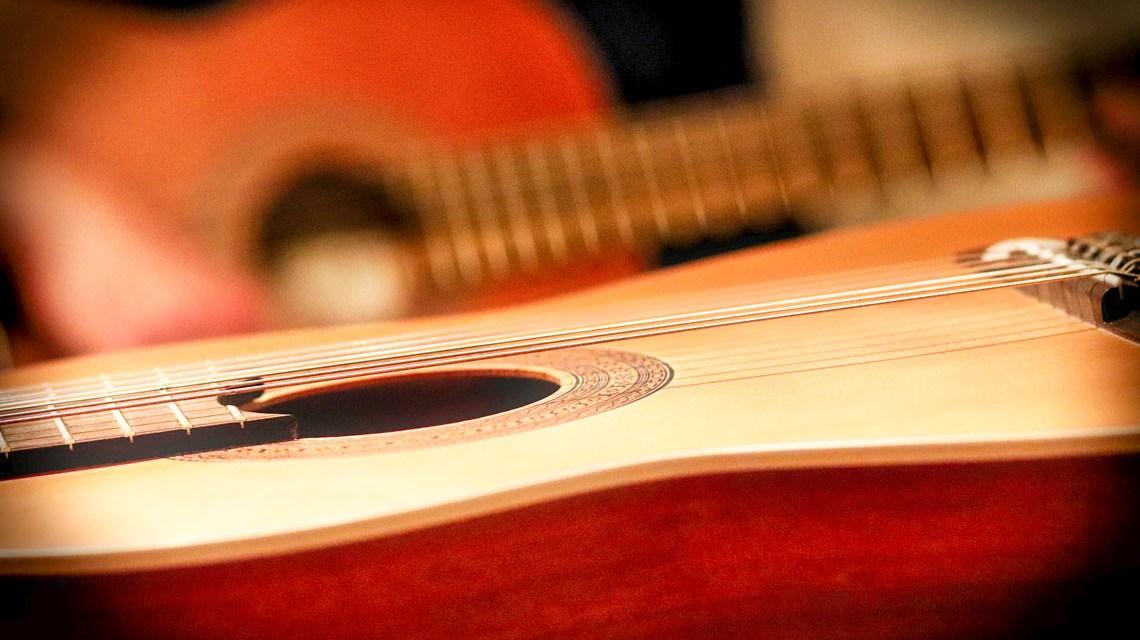 Guitarre ©2020 9883074 auf Pixabay