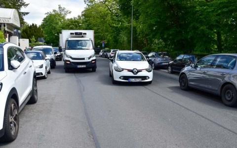 Das Auto dominiert den Verkehr in Wiesbaden.