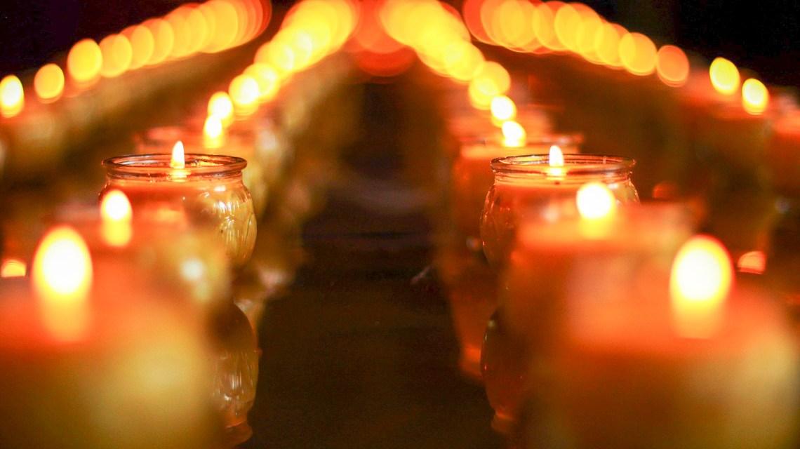 Kerzen in der Kirche, Opfer