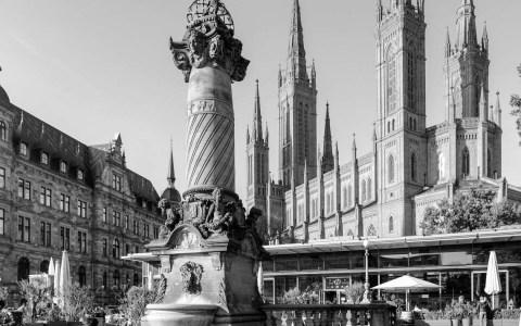 Marktsäule in Wiesbaden wird saniert