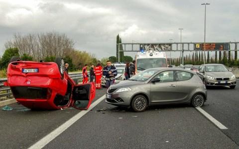 Verkehrsunfall ©2020 Valter Cirillo auf Pixabay