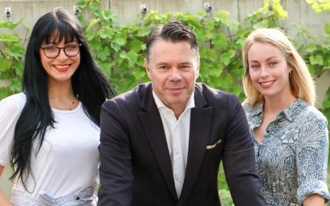 Giulia-Mercedes Sieber, Dirk Kornau und Maja Ebertshäuser (von links) treffen im MacherPodcast Handwerkerinnen und Handwerker und erkundigen sich nach ihrer Geschichte, ihrem Erfolg, wie sie im Handwerk gelandet sind und natürlich was ihren Beruf so einzigartig macht.