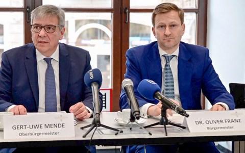 Gert-Uwe Mende Oliver Franz, Kontaktbeschränkungen
