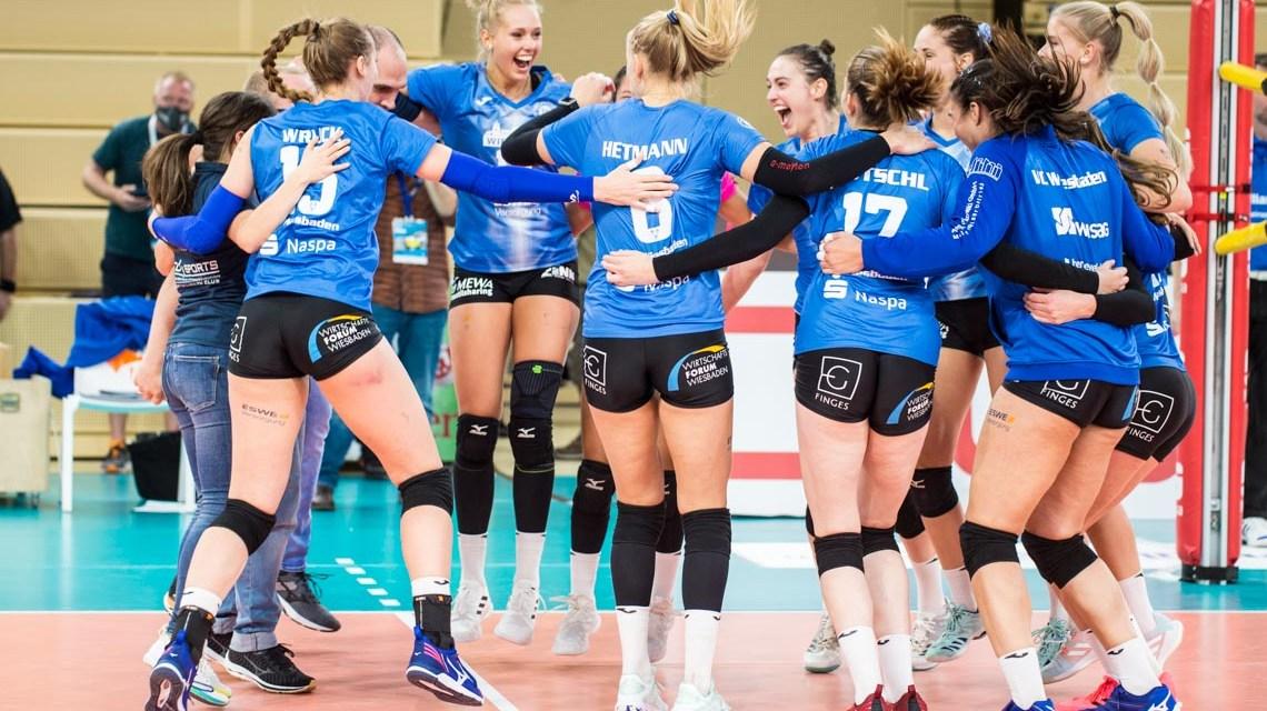 Volleyball Bundesliga, 20200.2021, 5. Spieltag, VC Wiesbaden -SSC Schwerin, 3:2 Foto: Volker Watschounek