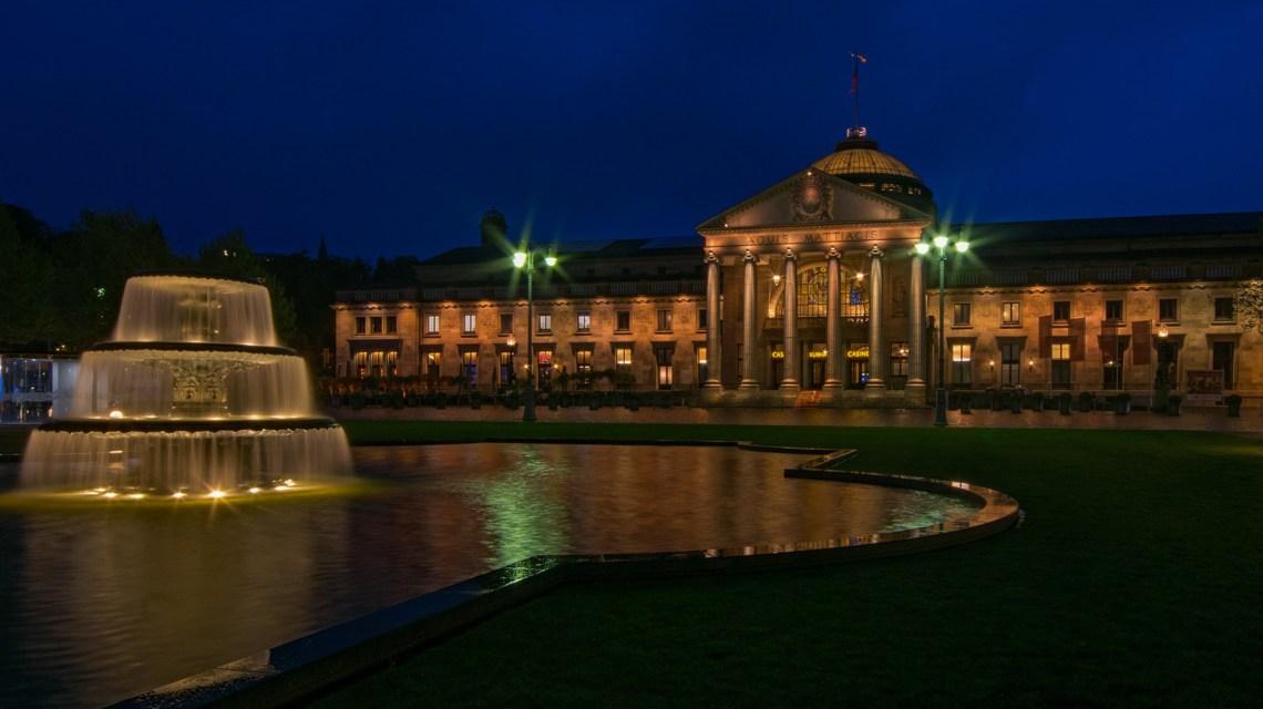 Wiesbaden bei Nacht