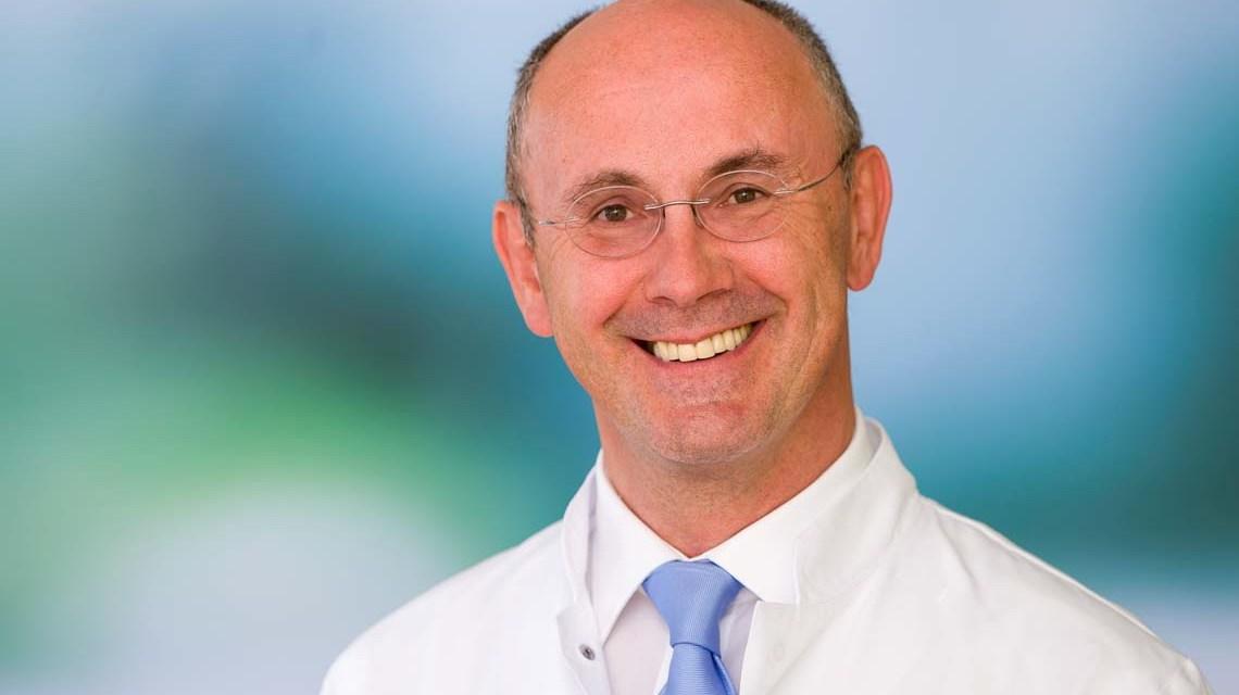 Dr. Ralf Thiel, Uruloge an an der Asklepios Paulinen Klinik
