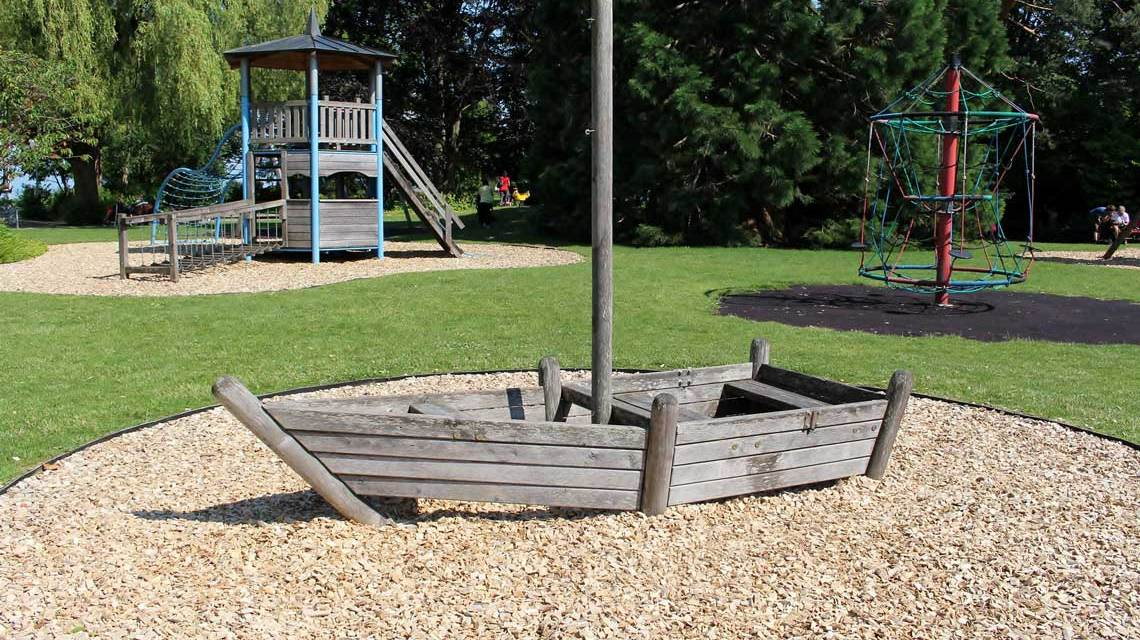 Kinderspielplatz ©2021 Symbolfoto von Markus Baumeler auf Pixabay