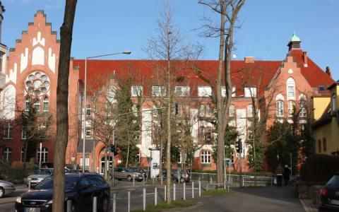 Sammelunterkunft in der Leibnitzschule