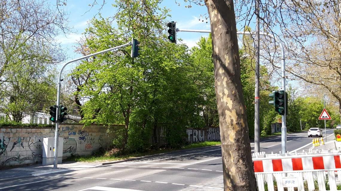 Neue Fußgängerampel am Moltkering