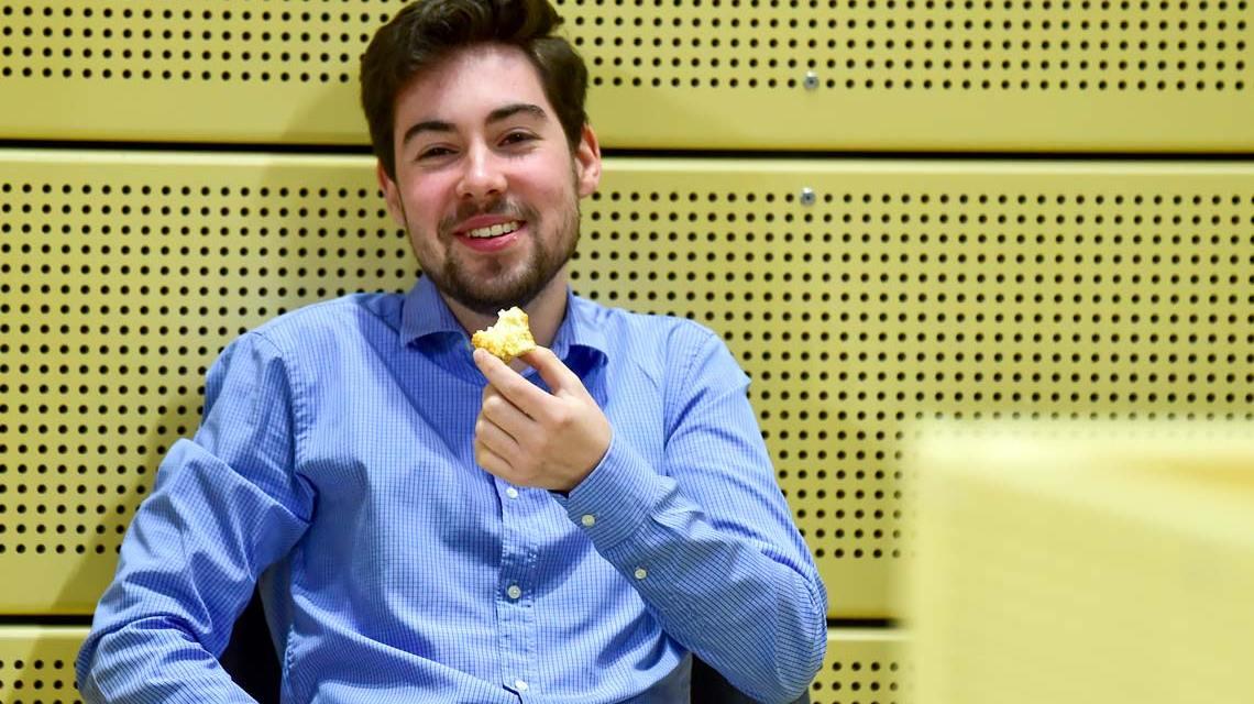 Silas Gottwald in der Sporthalle am Platz der deutschen Einheit.