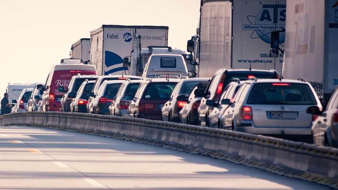 Stau auf Autobahnen an Pfingsten, Reisewelle
