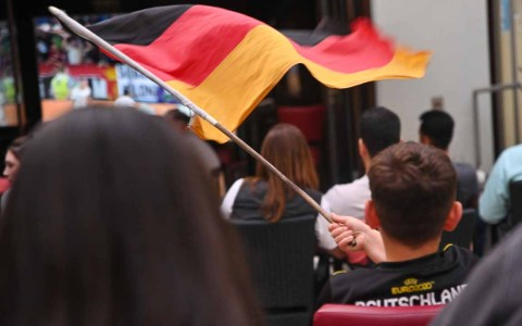 Public Viewing Wiesbaden: Ein Streifzug durch die Innenstadt.