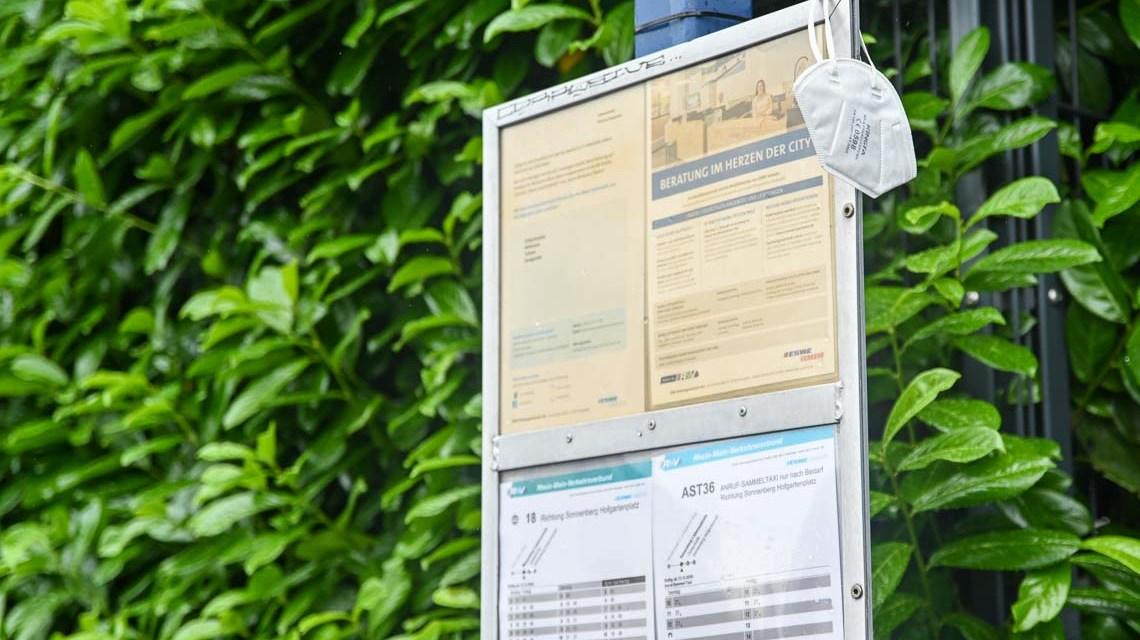 Maskenpflicht an Bushaltestellen aufgehoben