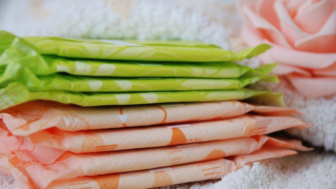 Kostenlose Menstruationsprodukte, Binden