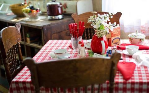 Frühstückstisch – Bild von Jill Wellington auf Pixabay