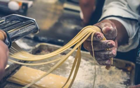Freie Ausbildung(splätze), etwa als Koch. ©2021 Volker Watschounek