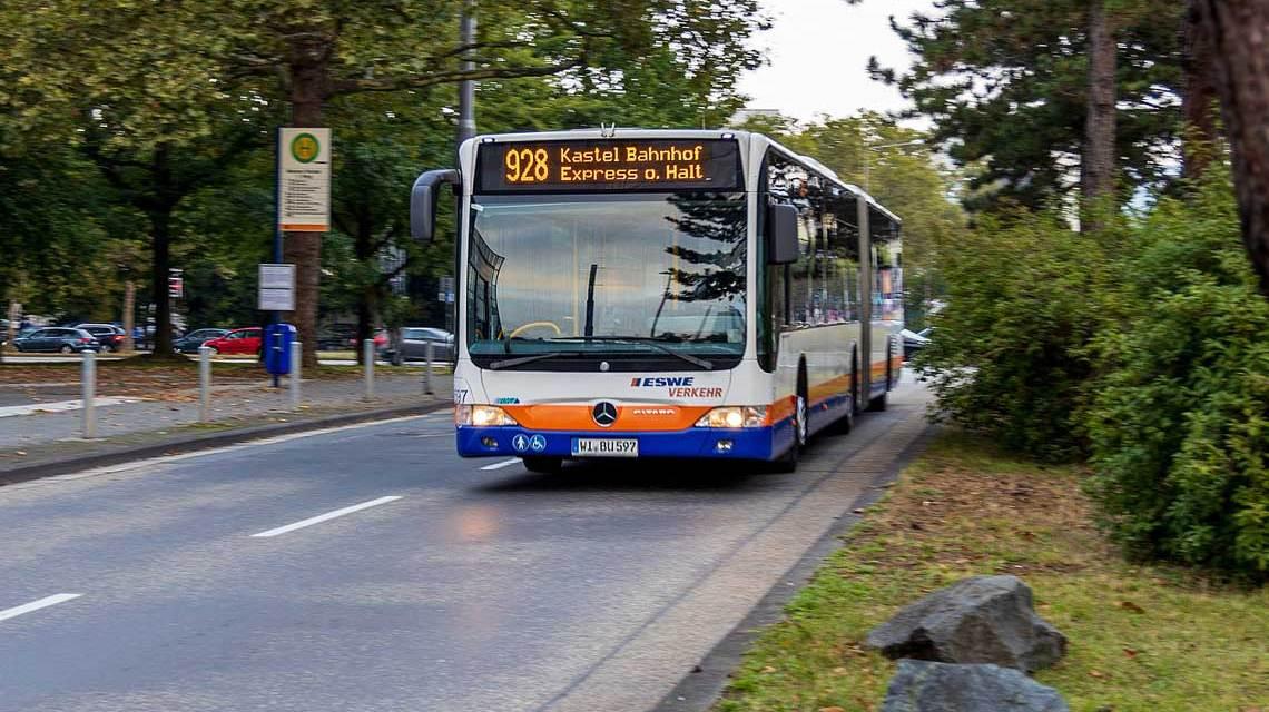Neue Expressbuslinie 928 wird bis zum 23. Dezember 2021 verlängert