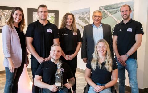Oberbürgermeister Gert-Uwe Mende empfängt die Paralympics Teilnehmer