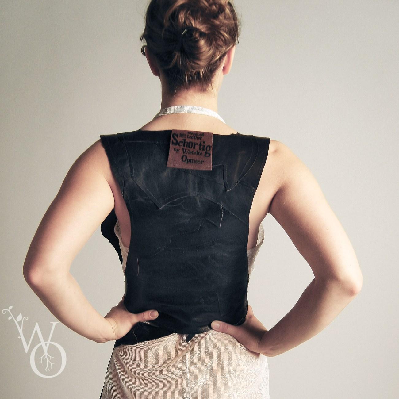 schortig back view