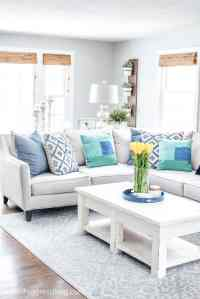 Navy Blue & Green Decorating Ideas: A Spring Living Room