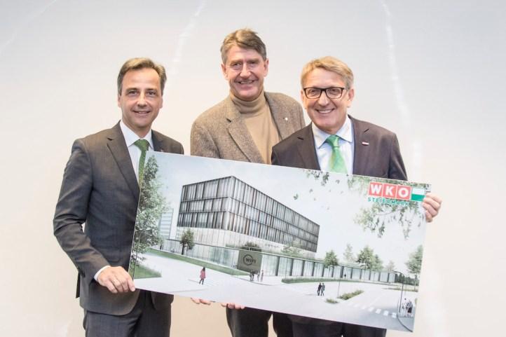 Bürgermeister Siegfried Nagl, Christoph Achammer und WKO Präsident Josef Herk präsentieren das Center of Excellence.