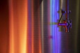 LED-Lichter untermalen die Stimmung bei den Führungen durch die Destillerie Franz Bauer.
