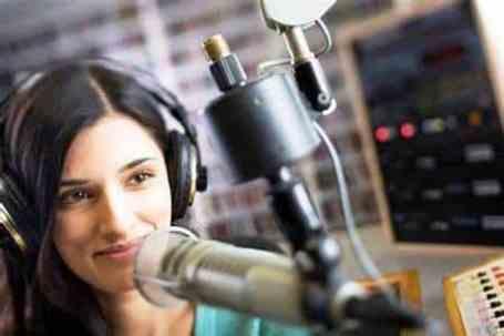 Cara Jadi Penyiar Radio