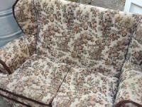 Three seater sofa/ settee lovely - Ryde - Expired | Wightbay