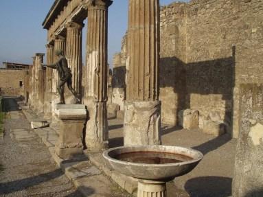 pompeii napoli
