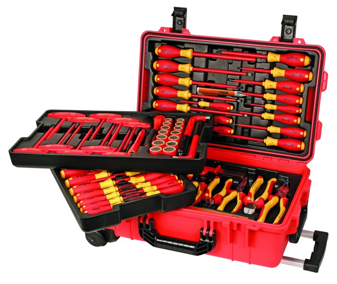 Insulated 80 Piece Rolling Tool Case