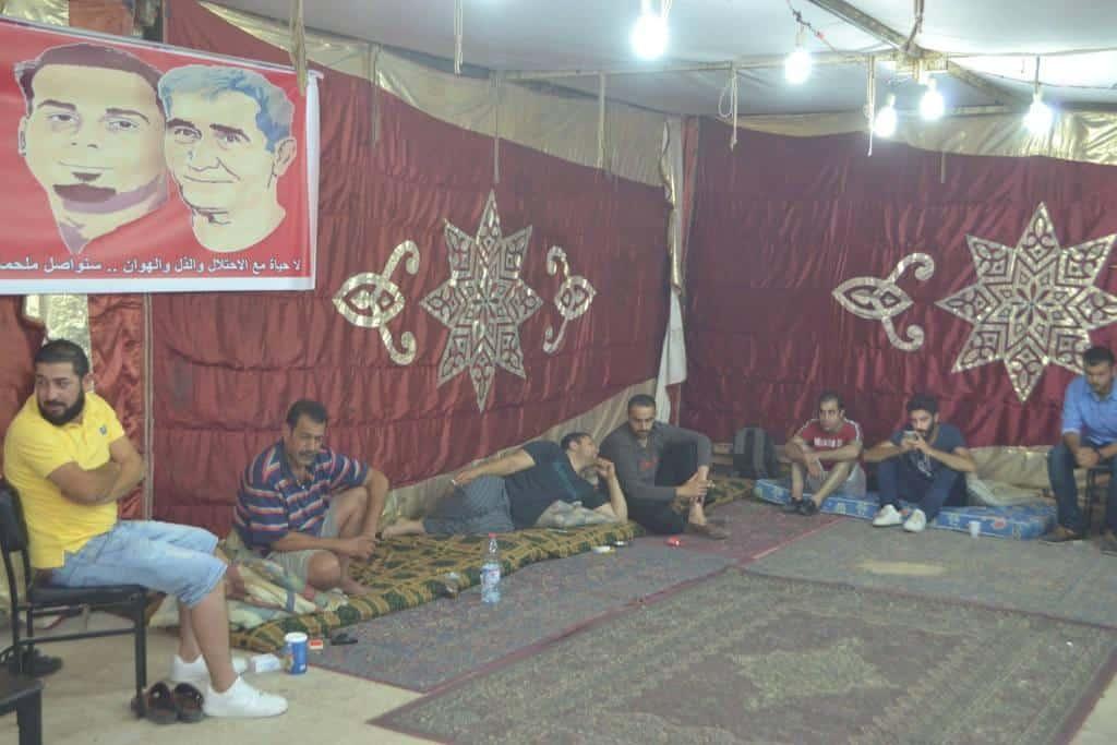 خيمة للتضامن مع الأسرى في سجون الاحتلال، وخمسة مواطنين أردنيين يعلنون اضراباً مفتوحاً عن الطعام