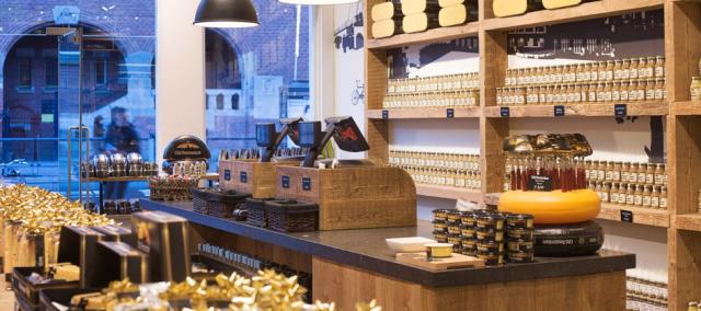 Kaasproeverij bij Old Amsterdam Cheese Store