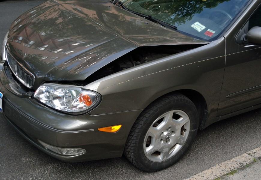 Kleine schade aan je auto? Dit kun je het beste doen!