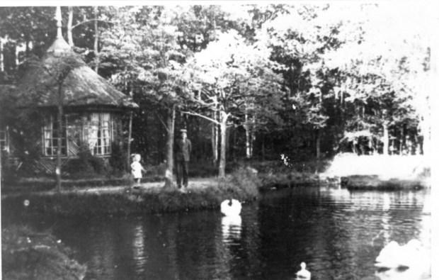 HF Duerswald Durk koepel bij vijver