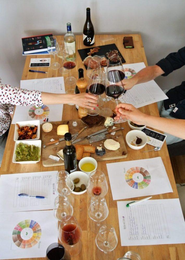 wijnproeverij thuis organiseren: proosten