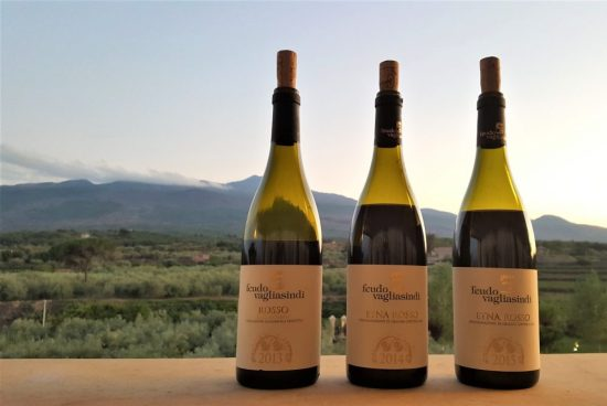 Siciliaanse wijnproeverij en wijnhuizen op Sicilië