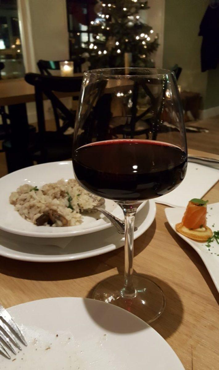 restaurant en wijnbar le Bonheur Barendrecht: rode wijn