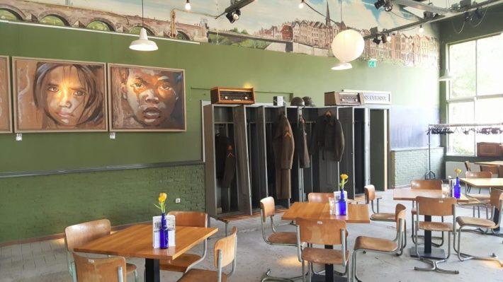 Borrelen en eten in Maastricht: tapijn interieur