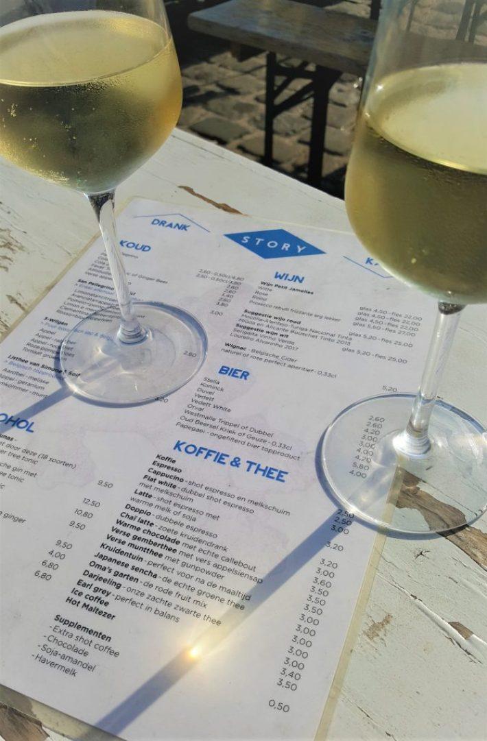 wijnen en menu Story