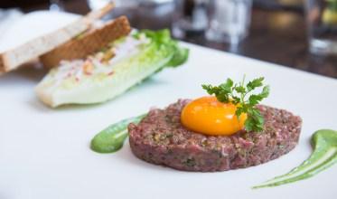 Steak tartare bij Brasserie Ambassade