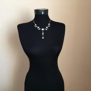 Luxusný náhrdelník retiazka s kvetmi a krištáľmi bizuteria