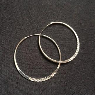 Veľké náušnice kruhy kovové. Farba- strieborná. Rozmer: 5cm.